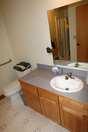 Photo of the bathroom at the Holly House at Hypatia-in-the-Woods